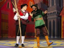 Review: Robin Hood and the Babes in the Woods at Nottingham Playhouse