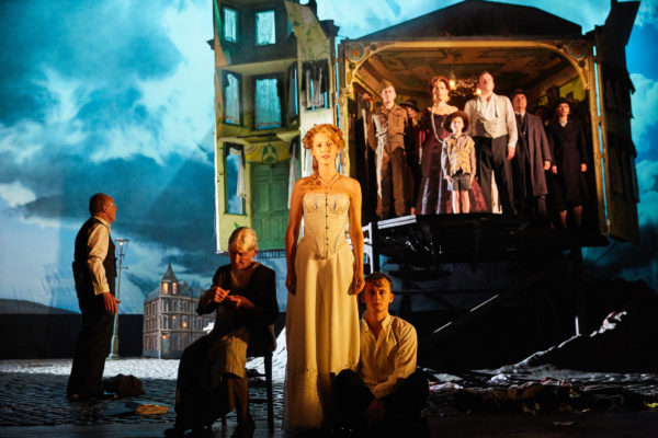 Review: An Inspector Calls at the Playhouse Theatre
