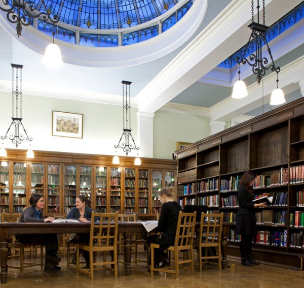 Bishopsgate Institution Library