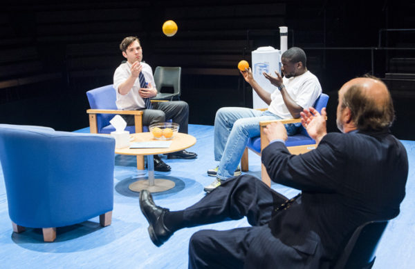 Review: Blue/Orange at Young Vic
