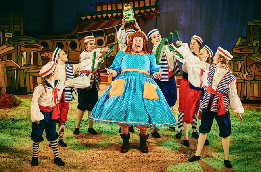 Dick Whittington, Exeter Northcott Theatre. Photo: Mark Dawson.