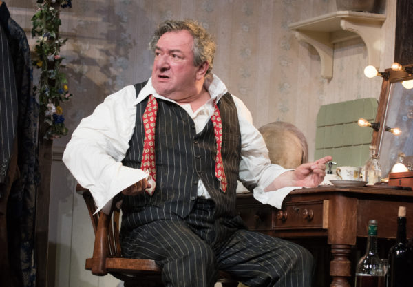 Review: The Dresser at Theatre Royal Brighton