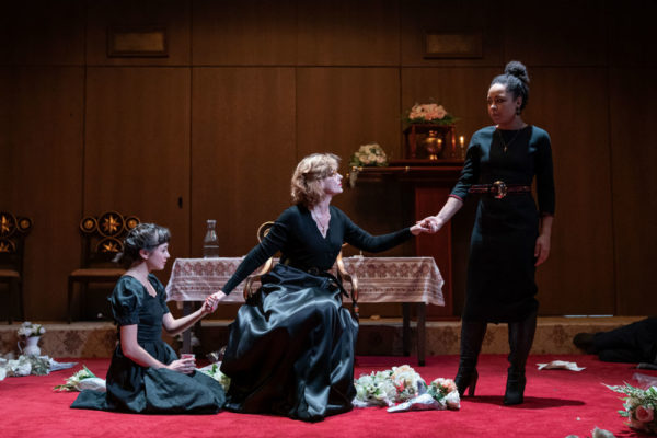 Review: Vassa at Almeida Theatre