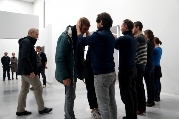 'Public Collection', by Alexandra Pirici and Manuel Pelmus at Tate Modern