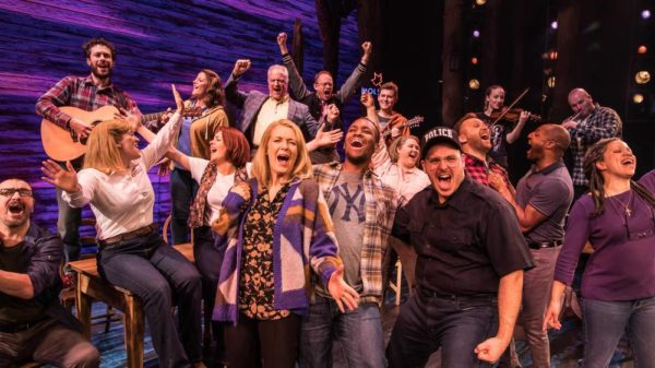 Review: Come From Away at Phoenix Theatre
