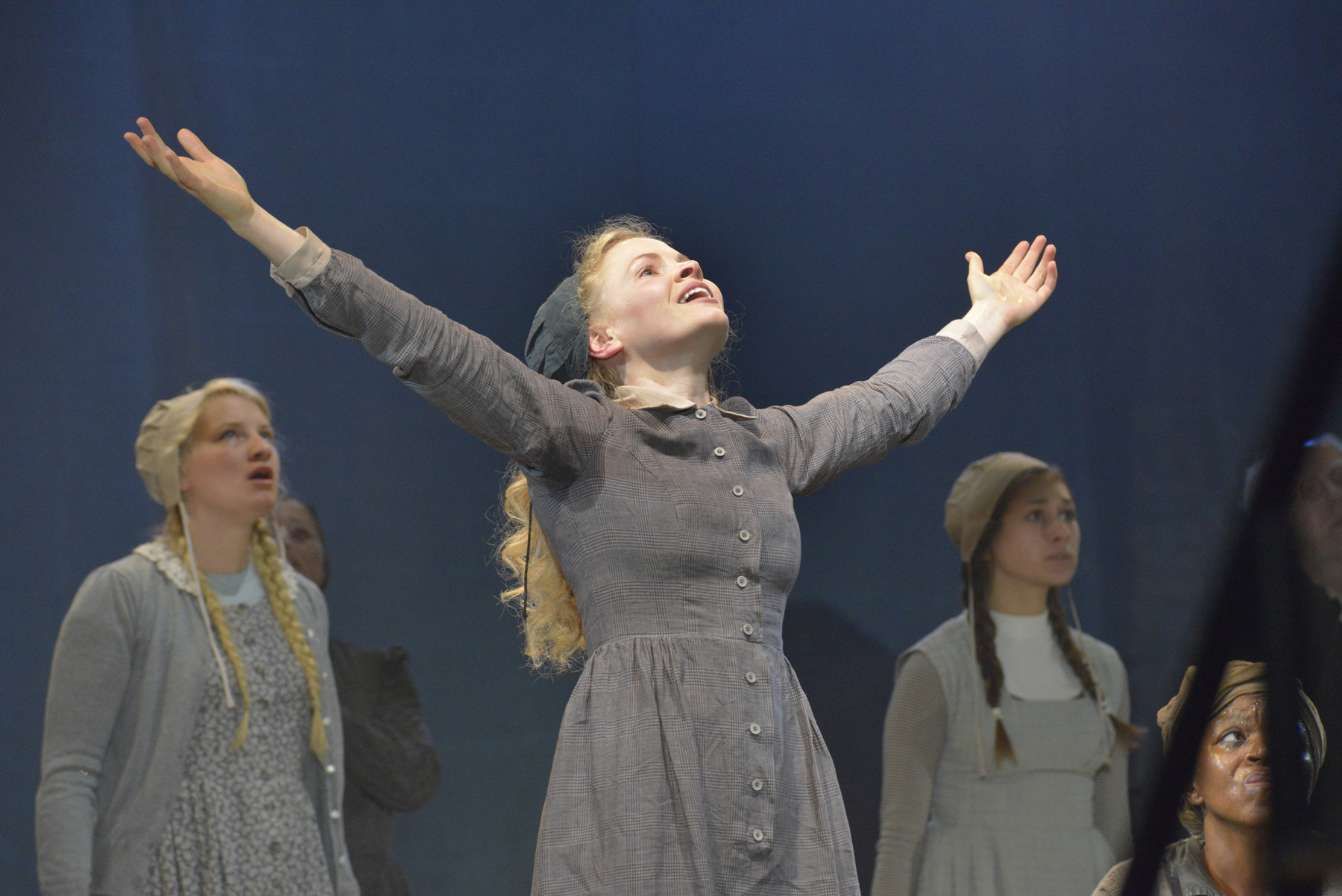 crucible play review essay The crucible book review essaysarthur miller, the son of a wealthy father who lost all of his money in the crash of 1929, quit school as a young child to.