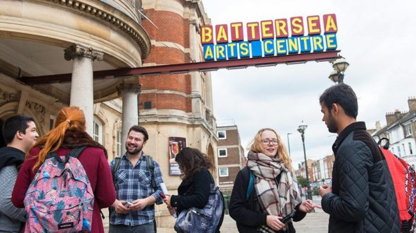 Theatre and Performance Criticism in the UK: A Survey