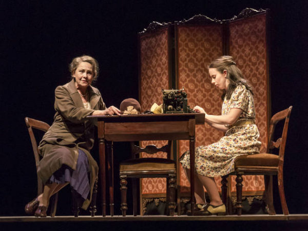 Review: The Glass Menagerie at Duke of York's Theatre