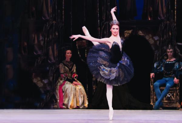 Review: Swan Lake at the Royal Opera House