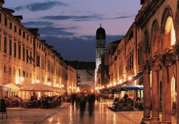 Dubrovnik Summer Festival: Father Courage