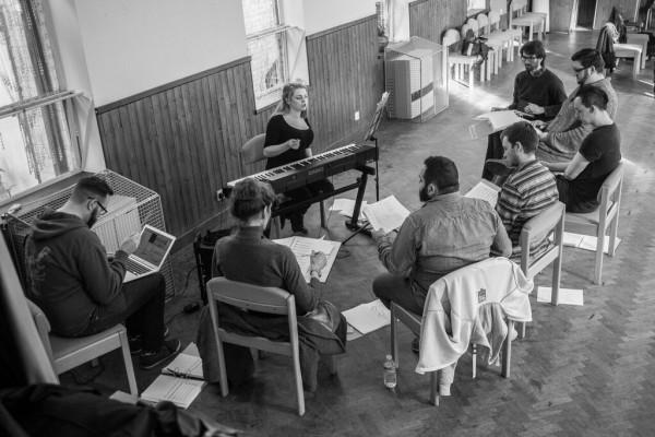 "Simon Arrowsmith and John Myatt on transmedia: ""Stories start before people enter the theatre."""
